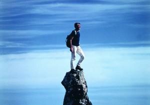 Foto di W. Bonatti, Isola di Pasqua, Cile. 1969. (courtesy of http://palazzodellaragionefotografia.it)
