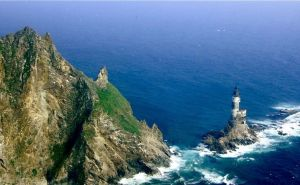 Il faro di Aniva Rock – Sakhalinskaya Oblast, Russia (courtesy of incredibilia.it)