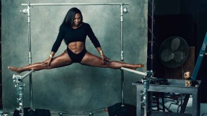 Un backstage di Serena Williams per il Calendario Pirelli 2016 (courtesy of static.grupo23.com)