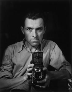 Autoritratto con Rolleiflex di R. Doisneu