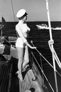 Helmut Newton, Winnie of the coast of Cannes, 1975